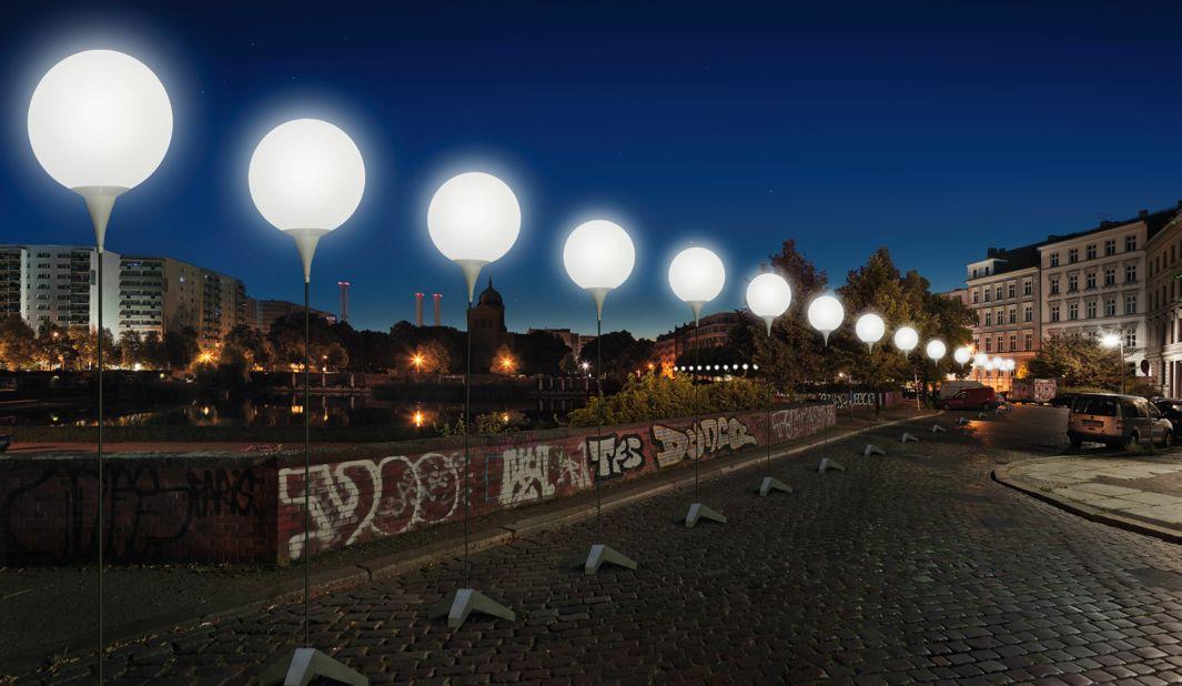 berlin_at_wall.jpg