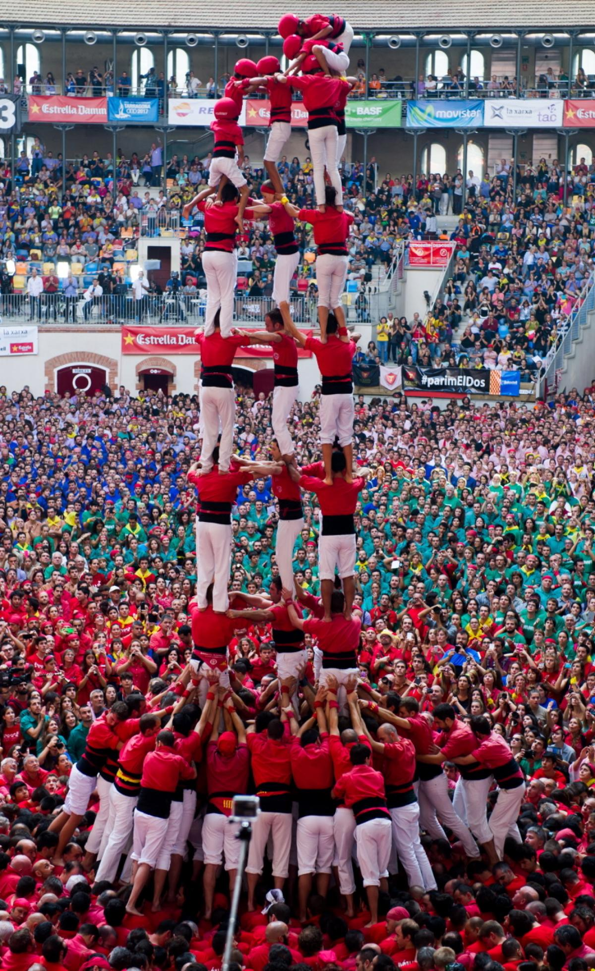 human-tower-competition-spain.jpg